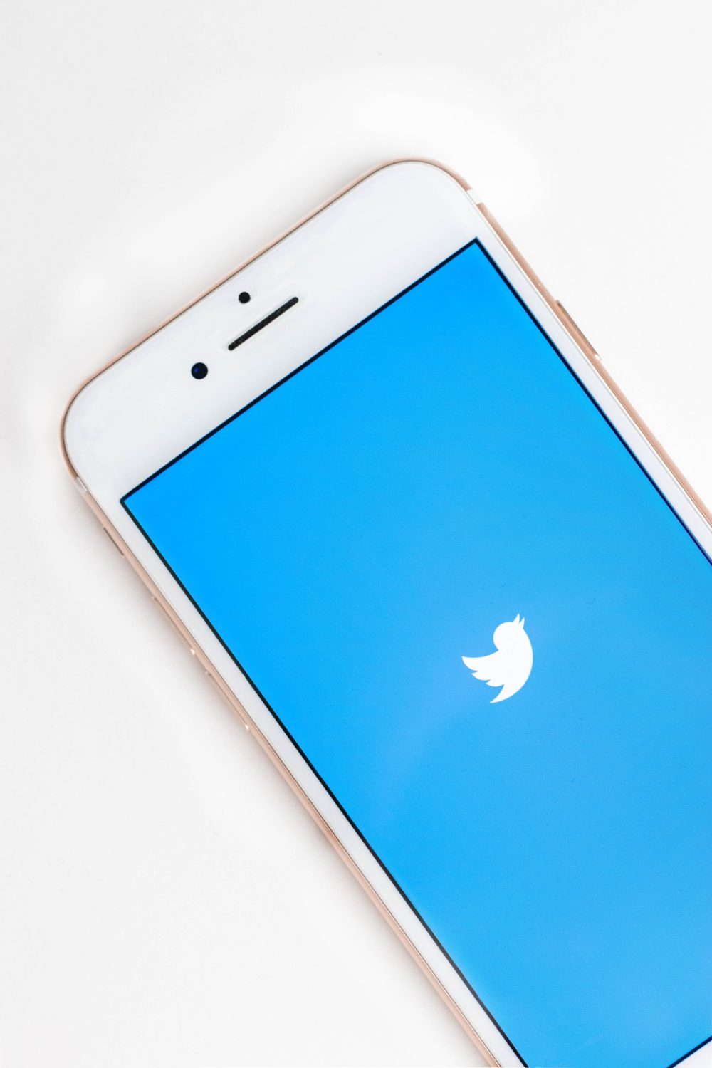 Twitter Rolls Out Conversation Threads on iOS